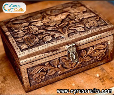 box woodcarving