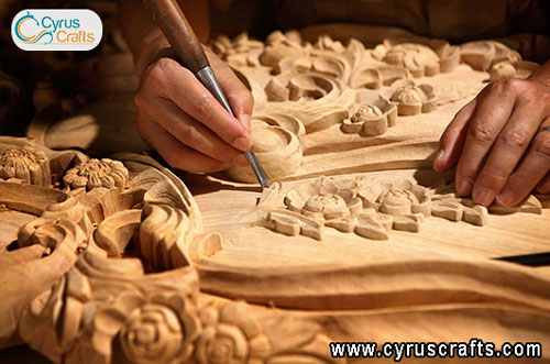 woodcarving proccess